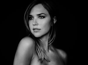 Arielle Kebbel age, Birthday, Height, Net Worth, Family, Salary