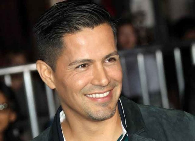 Jay Hernandez age, Birthday, Height, Net Worth, Wife, Family, Salary
