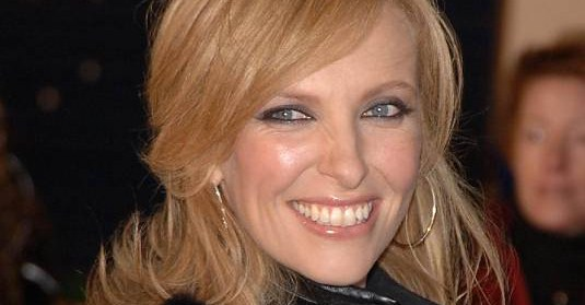 Toni Collette age, Birthday, Height, Net Worth, Family, Salary