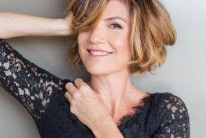 Zoe Mclellan age, Birthday, Height, Net Worth, Family, Salary