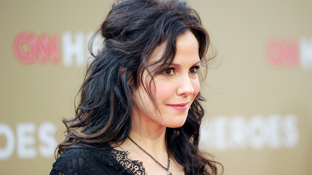 Mary Louise Parker age, Birthday, Height, Net Worth, Family, Salary