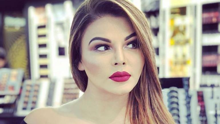 Rakhi Sawant age, Birthday, Height, Net Worth, Family, Salary